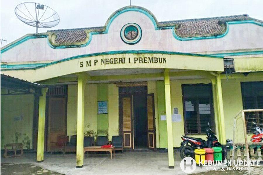 Gedung bersejarah di SMP Negeri 1 Prembun yang bakal dirobohkan. (Foto: Istimewa)