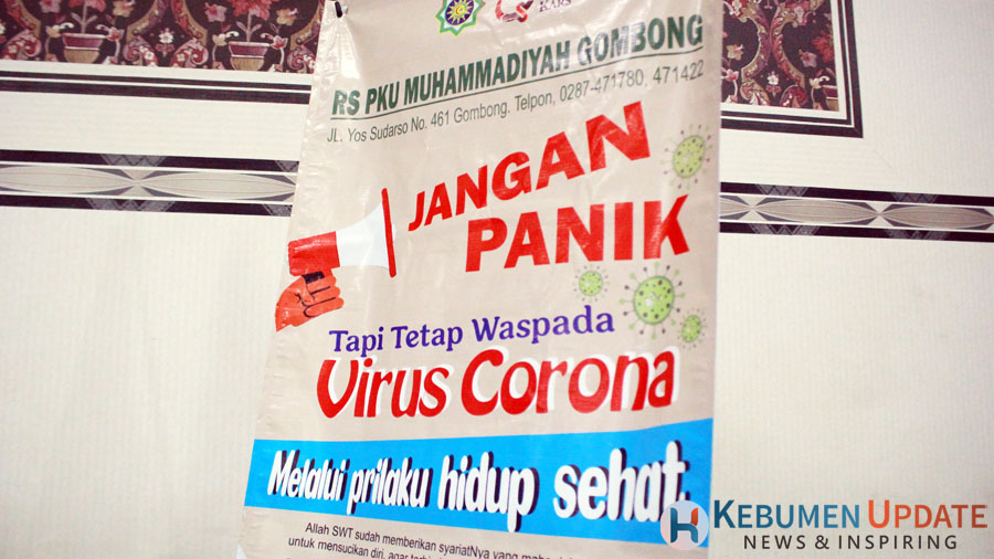 Poster penanggulangan virus Corona (Covid-19) RS PKU Muhammadiyah Gombong. (Foto: Padmo-KebumenUpdate)