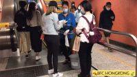 Salah satu Komunitas BFC membagikan masker bagi buruh migran di Hong Kong. (Foto: Istimewa)