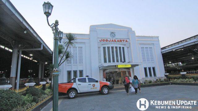 Pintu timur Stasiun Tugu Jogja. (Foto: Padmo-KebumenUpdate)