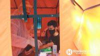 Warga mengikuti rapid test massal di Pasar Giwangretno Sruweng. (Foto: Padmo-KebumenUpdate)