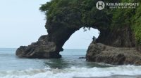 Pantai Pasir menjadi salah satu spot favorit bagi mancing mania. (Foto: Padmo-KebumenUpdate)