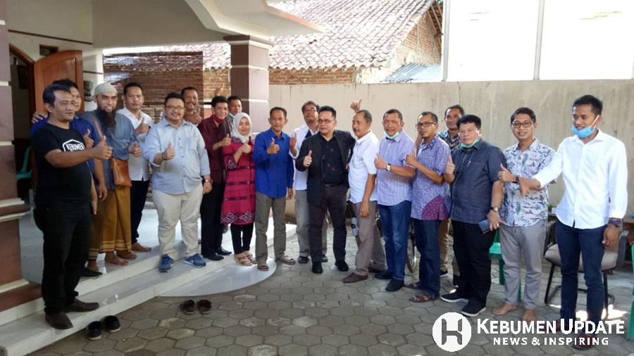 Eno Syafrudien saat bertemu Ketua dan Pengurus DPC Partai Demokrat Kebumen. (Foto: Istimewa)