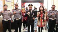 Kapolres Kebumen AKBP Rudy Cahya Kurniawan foto bersama dengan penerima SIM khusus. (Foto: Polres Kebumen)