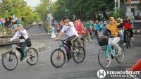 Para ASN Pemkab Kebumen bersepeda sehat. (Foto: Padmo-KebumenUpdate.com)