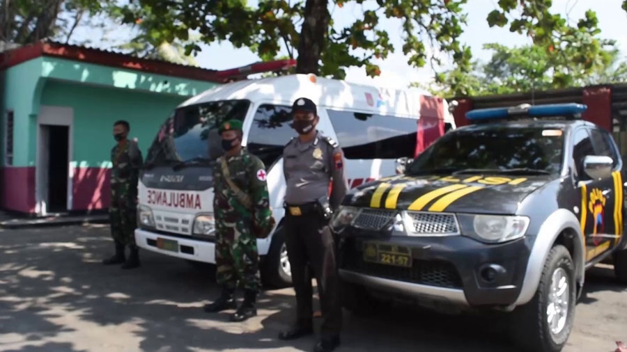 Personil Polri dan TNI turut menjaga. (Foto: Istimewa)