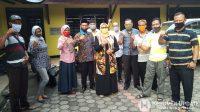 Ketua DPD Partai Golkar Kebumen Hj Dra Halimah Nurhayati MAP bersama para fungsionaris Partai Golkar Kebumen. (Foto: Padmo-KebumenUpdate.com)