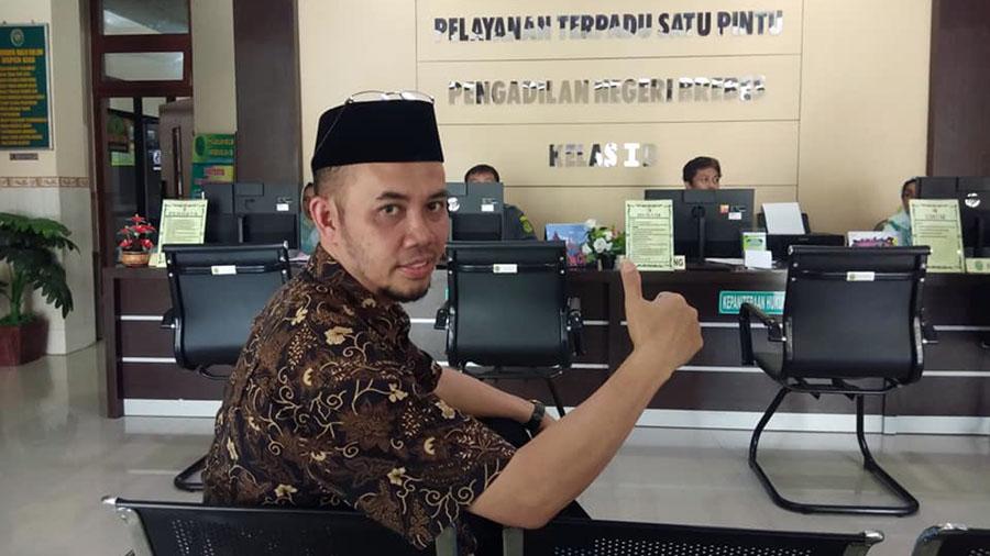 Direktur Kantor Bantuan Hukum Kebumen Dr H Teguh Purnomo. (Foto: Istimewa)