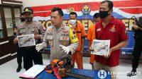 Kapolres AKBP Rudy Cahya Kurniawan menunjukkan tersangka dan barang bukti. (Foto: Polres Kebumen)