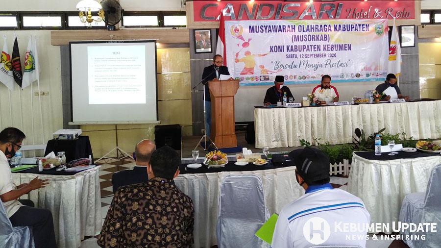 Ketum KONI Kebumen terpilih HD Sriyanto menyampaikan sambutan. (Foto: Padmo-KebumenUpdate)