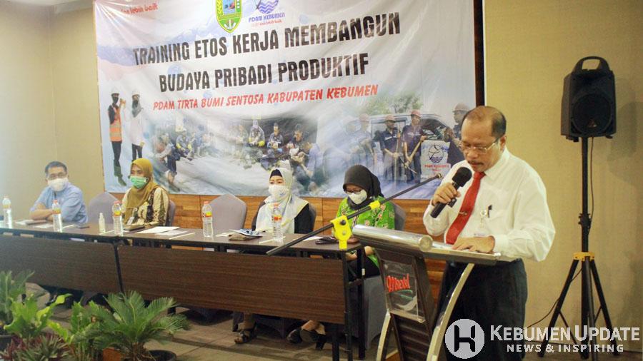 Sekda Kebumen H Ahmad Ujang Sugino menyampaikan sambutan. (Foto: Padmo-KebumenUpdate)