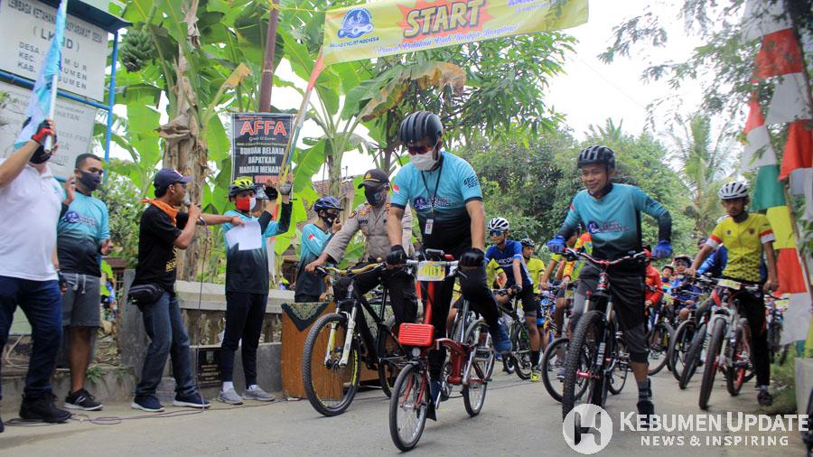 Wabup Arif Sugiyanto ambil bagian dalam MTB Challenge. (Foto: Padmo-KebumenUpdate)