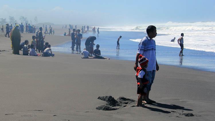 Pantai Setrojenar